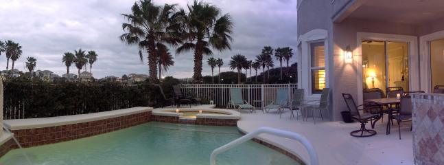 Poolside cooking & dining and relaxing & enjoying, it's all here