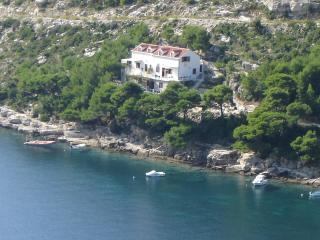 Apartment direct to the sea, Ston