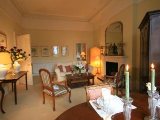 South Kensington 1 Bedroom Luxury Apartment