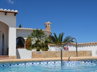 Villa Higuera - WLAN, Klima, onSuite, Pool-Bar, Benidoleig