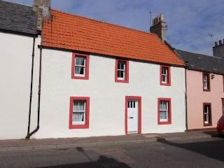 Cosy cottage near Elie, golf, beaches, pet friendly, ideal base for East Neuk