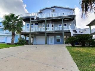 4 bedroom 3 bath 3 story home in Sand Point !, Port Aransas