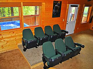 Smoky Mountains Retreat, 5 Master suites, Theater, Pigeon Forge