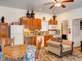 Yosemite Woods Duplex Lower Unit - Family Friendly
