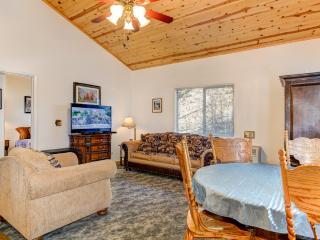 Yosemite Woods: Comfortable Yosemite Retreat!