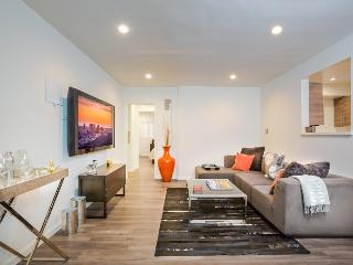 Modern 1 bedroom with Pool, West Hollywood