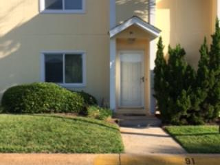 Two bedroom Townhouse next to swimming pool, Destin