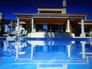 Outstanding 4 bd villa with amazing views, Quarteira