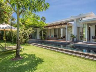 Villa Koru 2 bed designer with pool & breakfast, Mae Nam