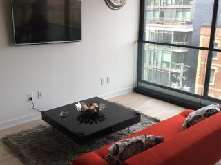 Entertainment District Modern Condo, Toronto