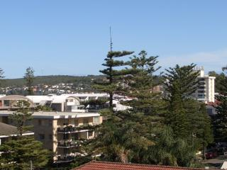 MAL33 - Large 2 BR apartment steps to the beach, Sydney