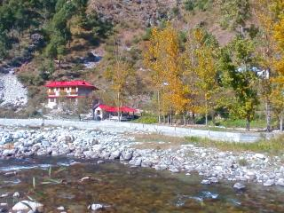 Devat Farm Cottages Tirthan Gushaini, Kullu