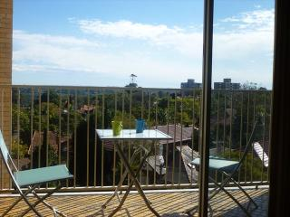 MOS72 - Lovely 1 bedroom apartment with views, Mosman
