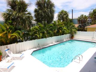 AnnaMariaBeachCondo  JUNE 10-17 AVAILABLE!