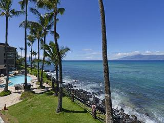 Noelani Sooo close to the water! End Unit!, Lahaina
