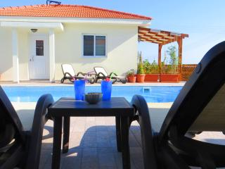 Self Catering One Bedroom Bungalow holiday rental