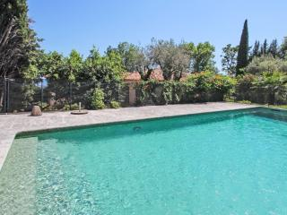 Modern villa with swimming pool, Vence