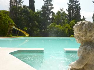 Big Villa with large Pool with Jacuzzi, Specchia