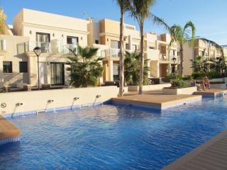 Urb. Zenia Beach - Modern luxurious town house.