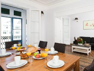 5BR/2BA City Centre Apt for 12 in Eixample - BCN, Barcellona
