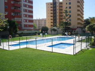 Super oferta última hora 7 personas piscina playa, Fuengirola