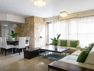 Beautiful apartment close to beach, Jaffa