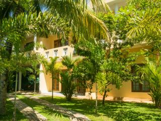 Sholay Villa - Family Holiday Bungalow, Galle