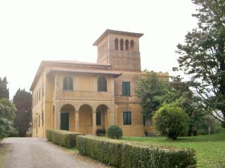 Wonderful Villa with Private Pool, Fauglia