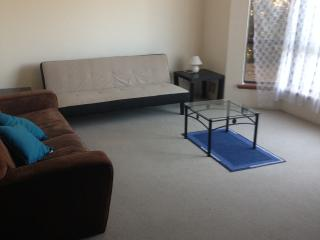 Willetton 4 bed 2 bath self contained house