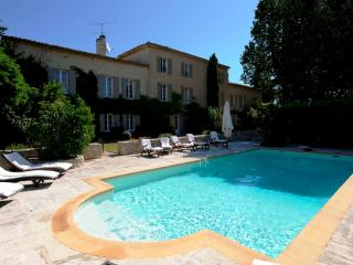 Luxury country house, with heated pool - nr Aix en Provence - Short & Long Term