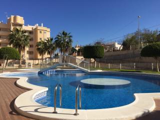 Calaflores, 2 dormitorios y piscina! - CF069
