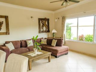 Well furnished w/ large private pool, BBQ and palapa bar, Sosua