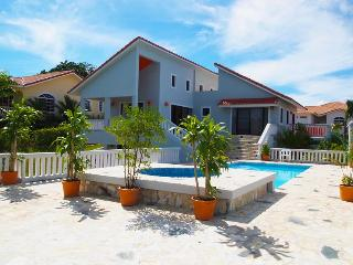 Really nice 4 bedroom well decorated, Sosua