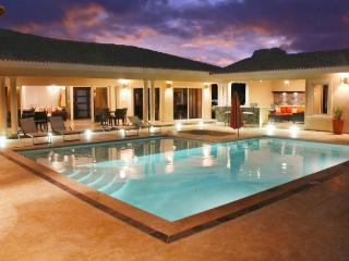 """Villa with Jacuzzi, TVs in all bedrooms and livingroom!"", Sosua"