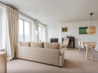 Luxury Apartment with Canal View!, Amsterdam