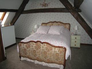 Lark Cottage sleeps 4, Charming Character Cottage