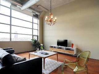 Bright,Rustic,Modern Spacious Loft, Toronto