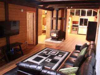 Lake Front Luxury Chalet In Mont-tremblant