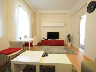 B3 Two Bedroom Apartment, Estambul