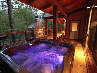 Sunset Creek Spa Cabin - Spa Amenities (Sleeps 4), Broken Bow