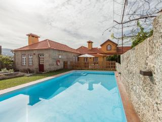 Charming villa w/ pool with breakfast, Terras de Bouro