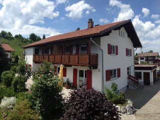Helle Ferienwohnung in Nesselwang