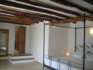 VILLA 12 people in a quiet area 1km from beaches