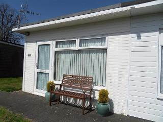 Dartmouth Holiday Bungalow Sleeps 3/4