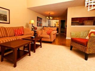 Ocean Edge Townhouse with King, A/C & Pool (fees apply) - BI0085, Brewster