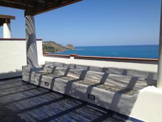 Bilocali fronte mare & Isole Eolie a 3' da S. Gregorio Magico Appartamenti Scafa