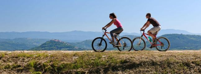 It is particularly used the opportunity to ride a bicycle in almost all regions around Banjole
