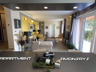 Apartment SimonSays 4 Stars, Cres