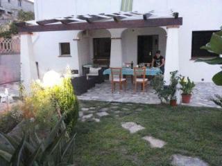 giardino con veranda appartamento 'Ammiraglio'