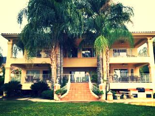 HUGE Private Beach Lake Front Mansion, Sleeps 45!!, Lake Elsinore